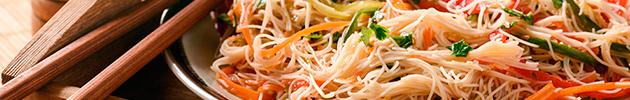 Chao mi fen (fideos de arroz fino salteado)