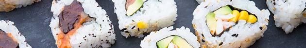 Uramaki rolls vegetarianos