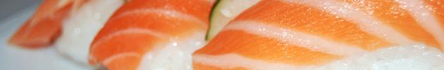 Nigiris (Canapés de arroz cubiertos con un fino corte de pescado)
