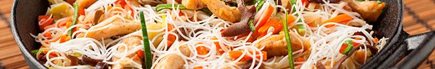 Chao mi fen (fideos de arroz finos salteados)