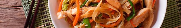 Chao jo fen (fideos de arroz anchos salteados)