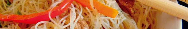 Yakisoba (saltado de fideos y vegetales al wok)