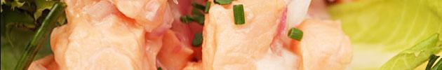 Ceviches peruanos (pescado y marisco con choclo blanco y maíz tostado peruano)