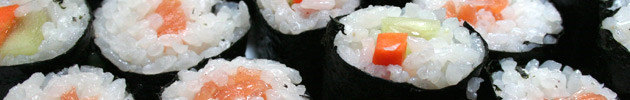 Makis (roll con alga nori por fuera y arroz por dentro)
