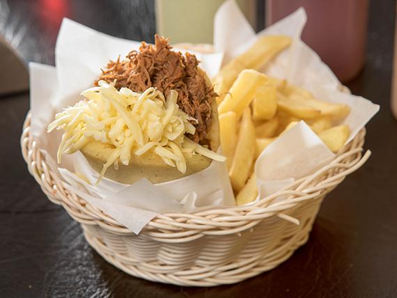 Combo - Arepa pelúa + papas fritas + bebida