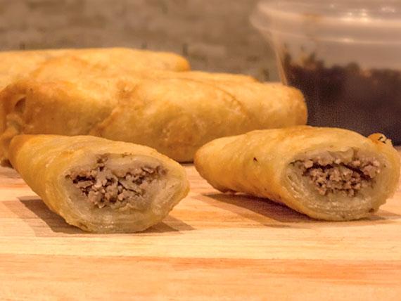 Empanaditas chinas de carne (4 unidades)