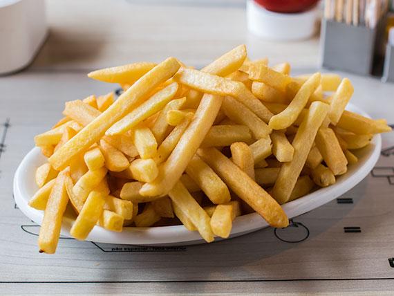 Porção de batatas fritas
