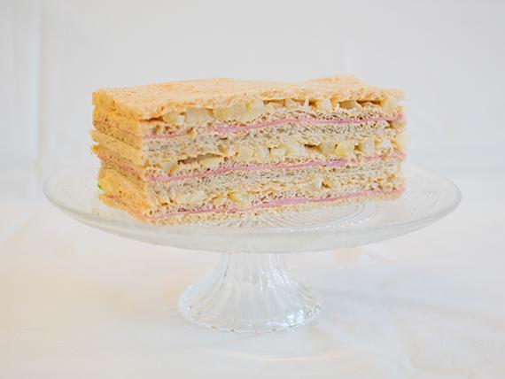 15 - Sándwiches de jamón cocido, ananá y salsa golf
