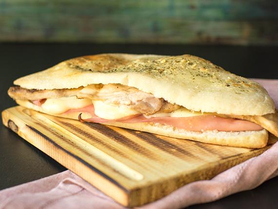 Sándwich de pechuga grillé