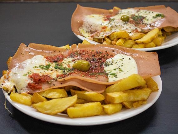 Promo 11 - 2 milanesas napolitanas con papas fritas