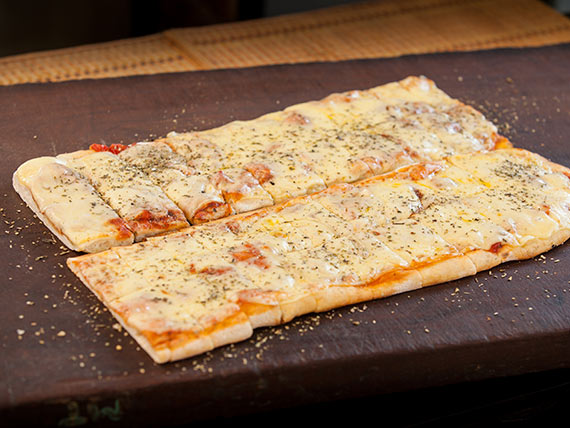 1 m de pizza con muzzarella