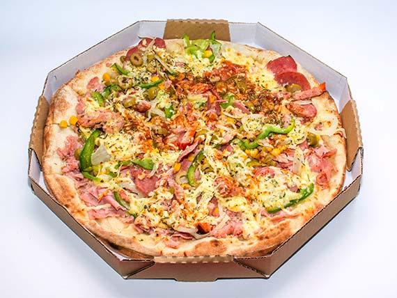 Pizza especial média - à moda