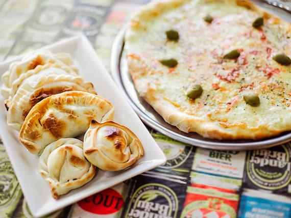 Promo 3 - Pizza con muzzarella + 6 empanadas