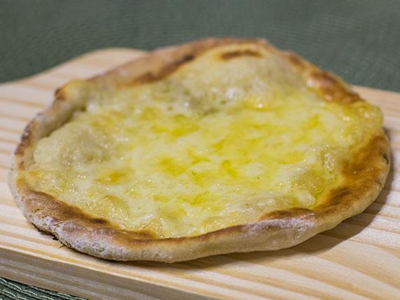 Esfiha de queijo