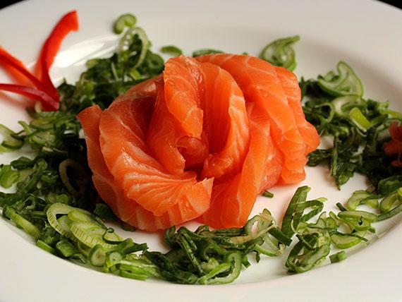 Sashimi salmón (9 cortes)