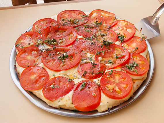 Pizza napolitana a la piedra (8 porciones)