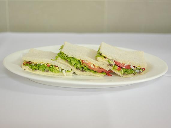 Sándwich migas vegetariano (3 unidades)