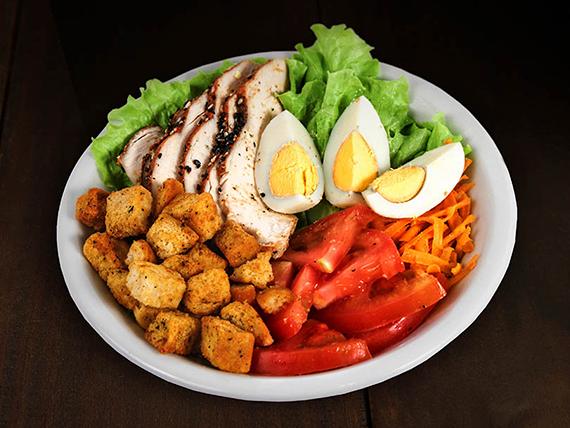 Ensalada gourmet con pollo
