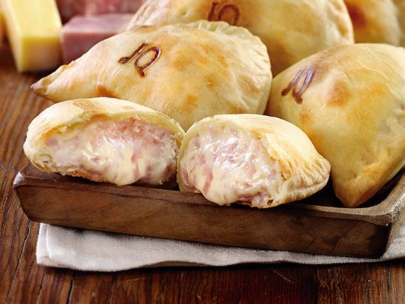 Empanada de jamón y queso