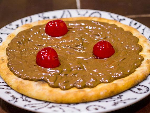 Esfiha doce - Chocolate com cereja