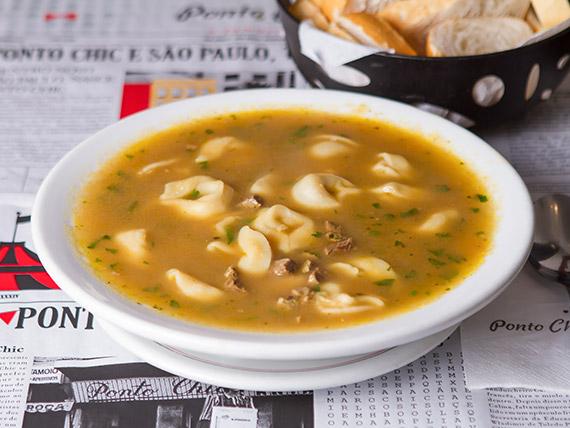 632 - Sopa capelete serve (2 pessoas)