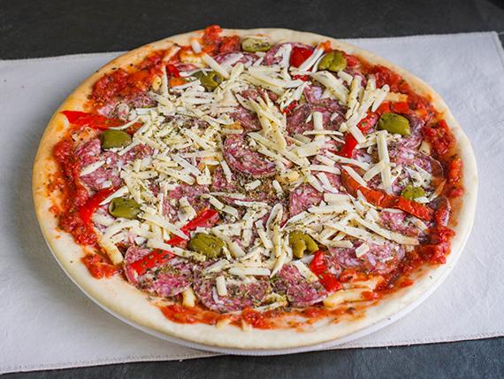 12 - Pizza calabresa