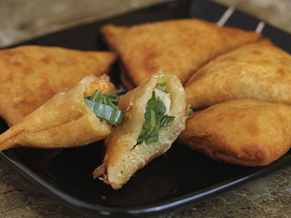 Empanadas de camarón y queso (5 unidades)