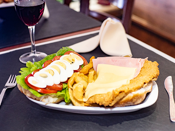 Sándwich milanesa