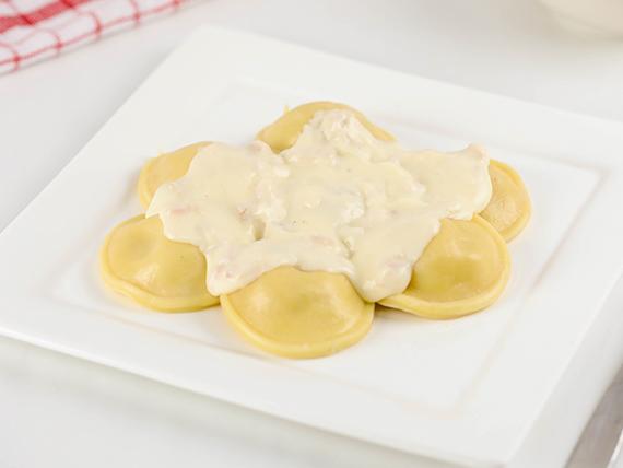 Sorrentinos de jamón y queso (porción)