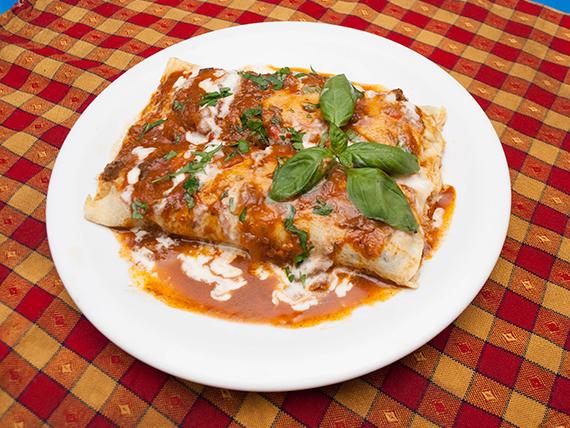Canelones caseros con salsa
