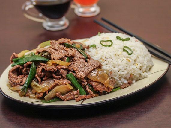 Colación 2 - Carne mongoliana + arroz chaufan