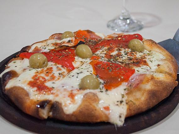 Pizza con jamón y morrones individual
