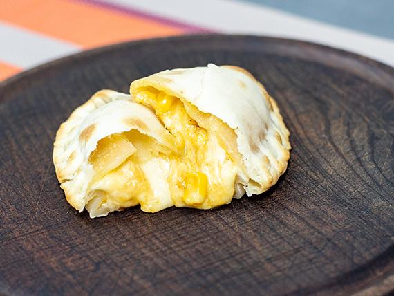 Empanada humita con muzzarella