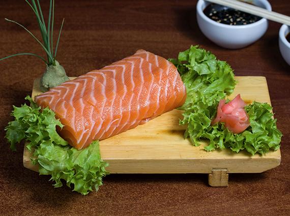 44 - Sashimi de salmón (9 cortes)