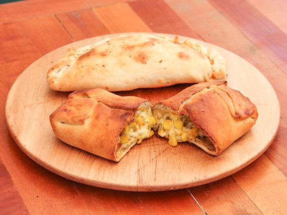 Empanada de queso y choclo