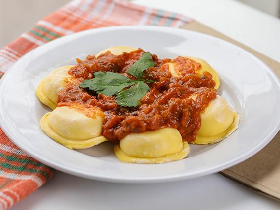 Menú - Sorrentinos de jamón y muzzarela con salsa a elección