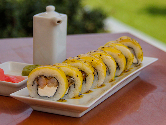 100 - Nikkei mango roll (8 unidades)