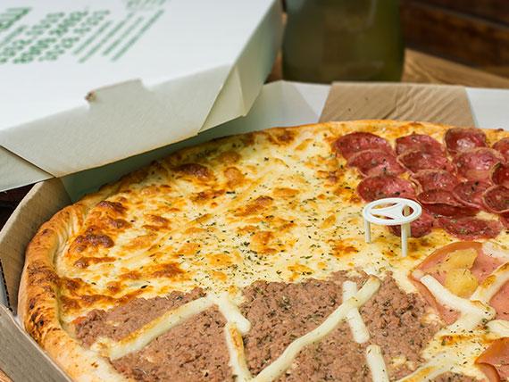 Promoção - 1 pizza super família + guaraná 2 L