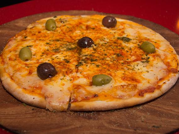 Pizza provolone mediana