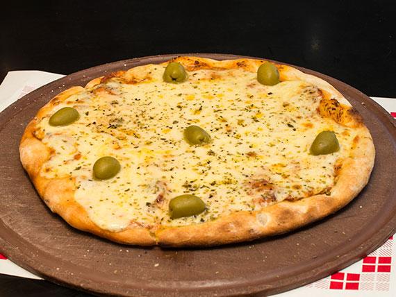 2 - Pizza mozzarella chica