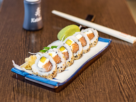 Okinawa roll con Philadelphia