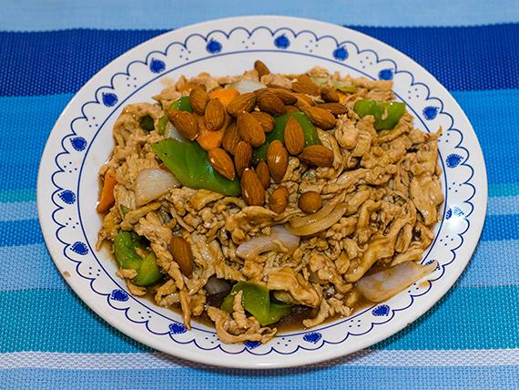 80 - Pollo con almendras