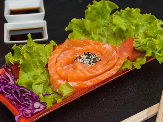 Sashimi salmón (10 cortes)