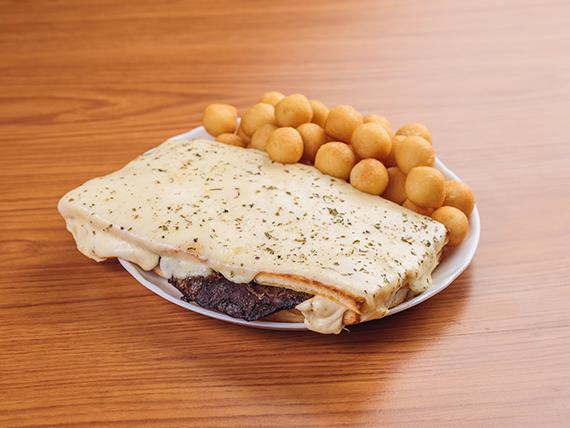 Sándwich gourmet formoseño (para comer al plato)