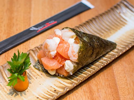Temaki salmão, camarão e cream cheese