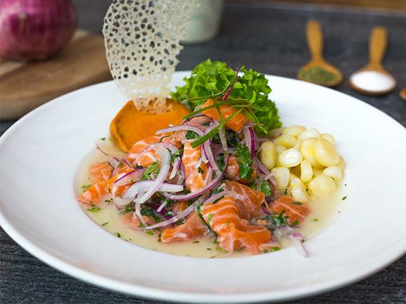 Ceviche de salmón al apio