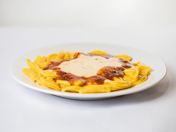 Ñoquis, tortelines o ravioles con salsa fileto para 1 persona