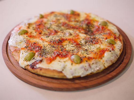 Pizza grande con masa al molde