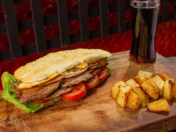 Combo - Sándwich de bondiola súper + papas al horno + gaseosa 500 ml