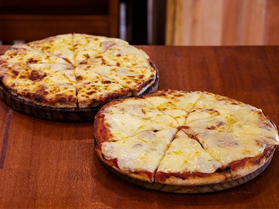 Promo - 2 pizzetas grandes con muzzarella + Pepsi 1.25 L o cerveza Pilsen 1 L